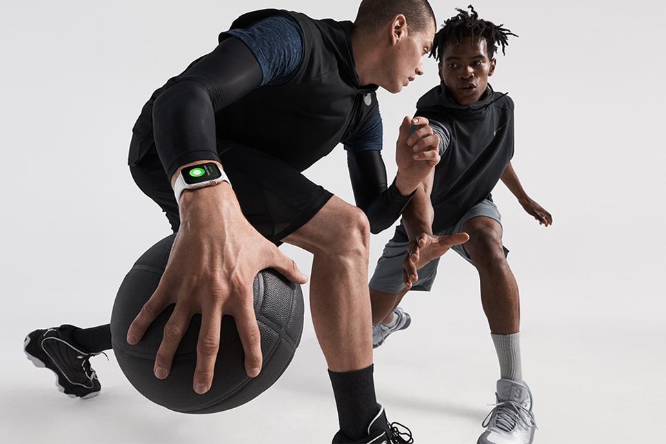 Apple Watch - Series 4 > Athletics / health / fitness > Basketball