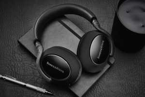How to manage the Bluetooth headphone connection dance among devices