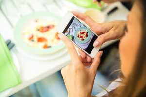 Instagram will let you book appointments to become more like Yelp and OpenTable