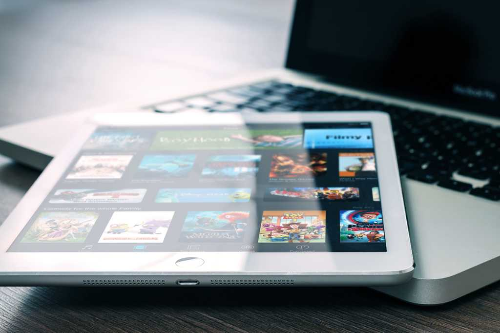 iPad tablet, iTunes, MacBook laptop