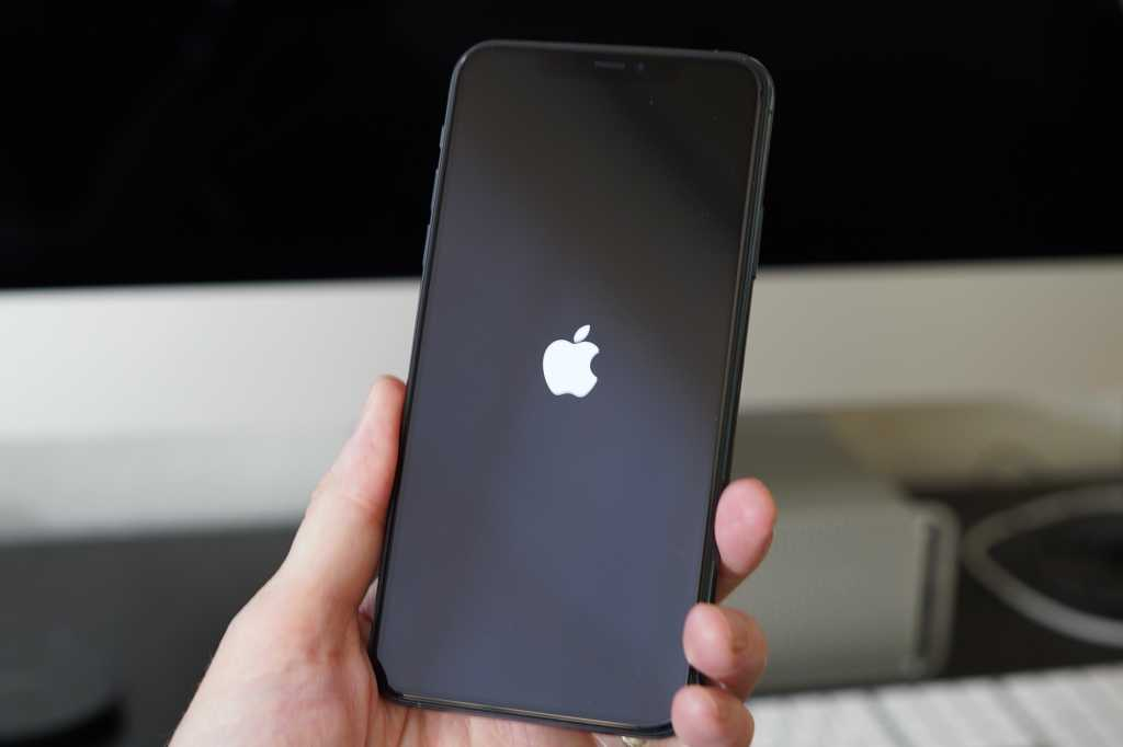 iphone 11 pro logo