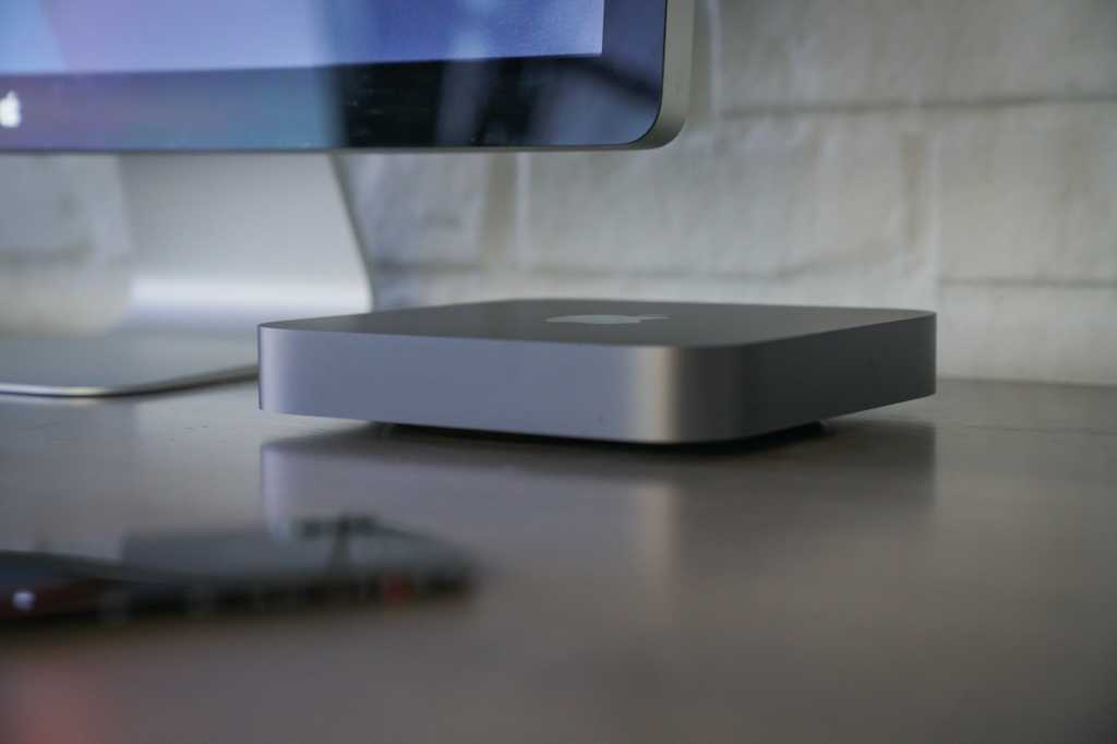 mac mini 2018 hero 03