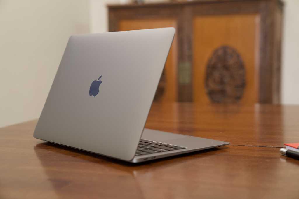 macbook air 2020 back
