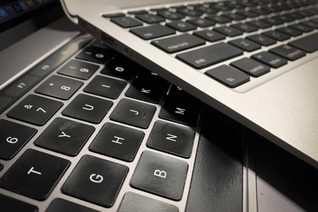 macbook key travel different