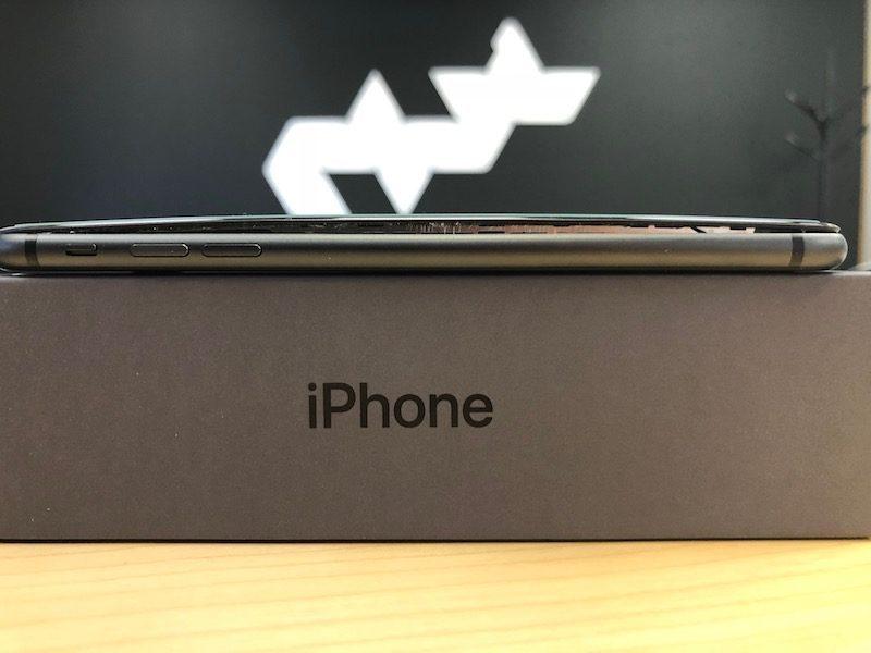 macrumors iphone 8 swollen battery