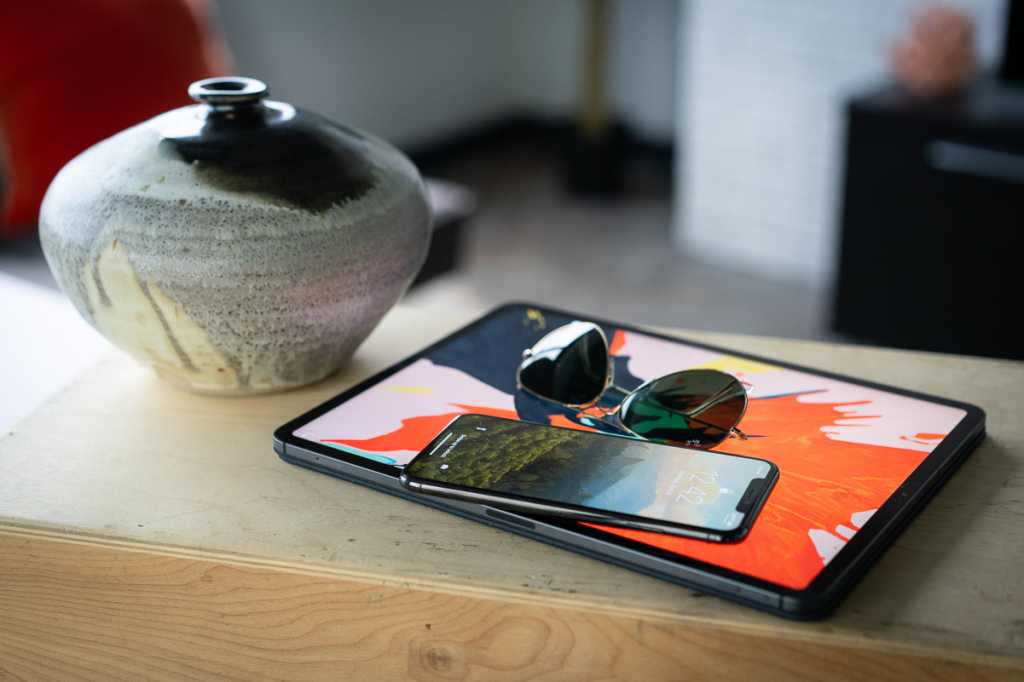 sunglasses with iphone xs max ipad pro