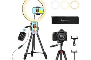This smartphone photography kit is $36.24 (an all-time low)