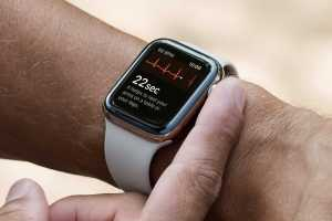 watchOS 7.6 update is available with new features, bug fixes