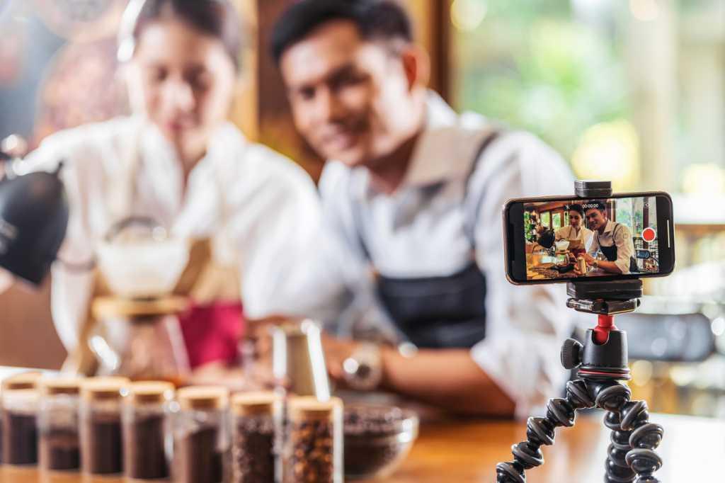 mobile phone recording video