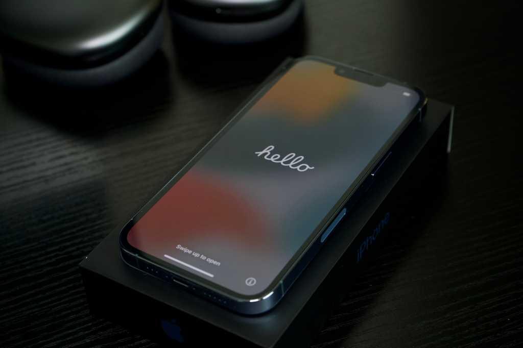 iPhone 13 Pro hello