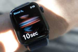 Forget Series 7 FOMO and save $50 on an Apple Watch Series 6 right now