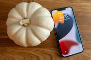 iPhone 13 review: An essential phone but a nonessential upgrade